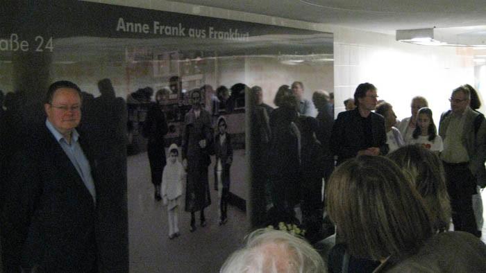 Anne Frank Dornbuschpassage-1