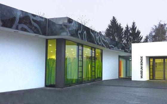 Museumsattika des Dobergmuseums in Bünde